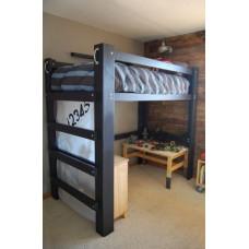 Детская деревянная кровать из массива