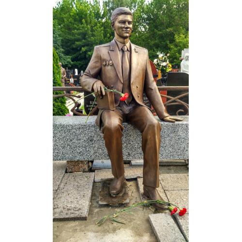 Бронзовая скульптура на могилу по фотографии