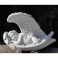 Спящий ангелочек скульптура из белого мрамора.